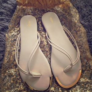 Massimo white gold plate flip flop size 9 new
